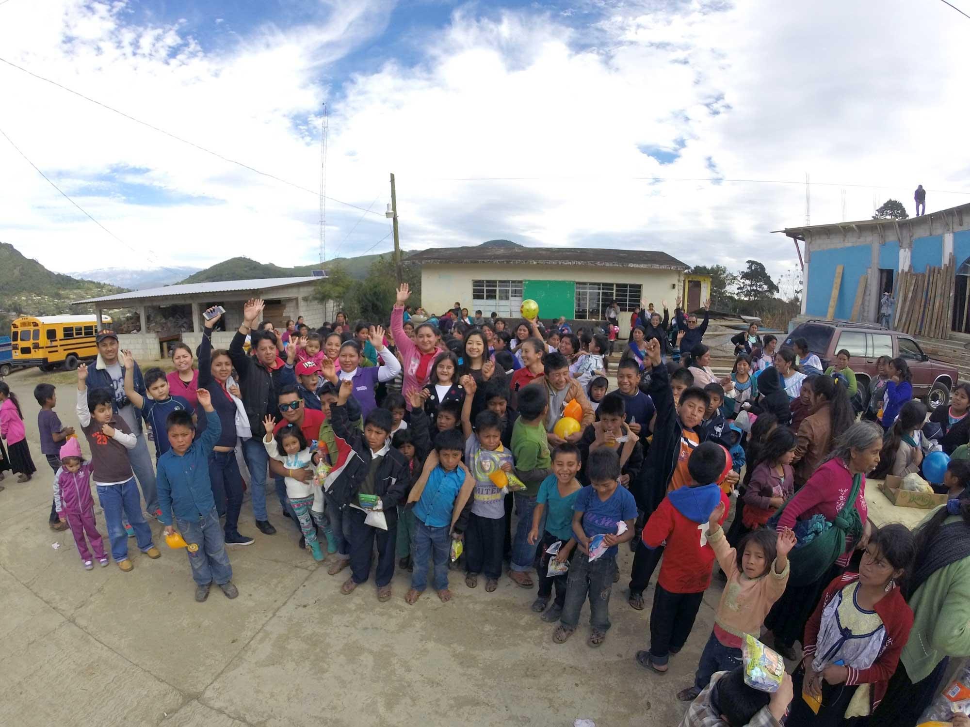 Niñps de la comunidad de Acotla