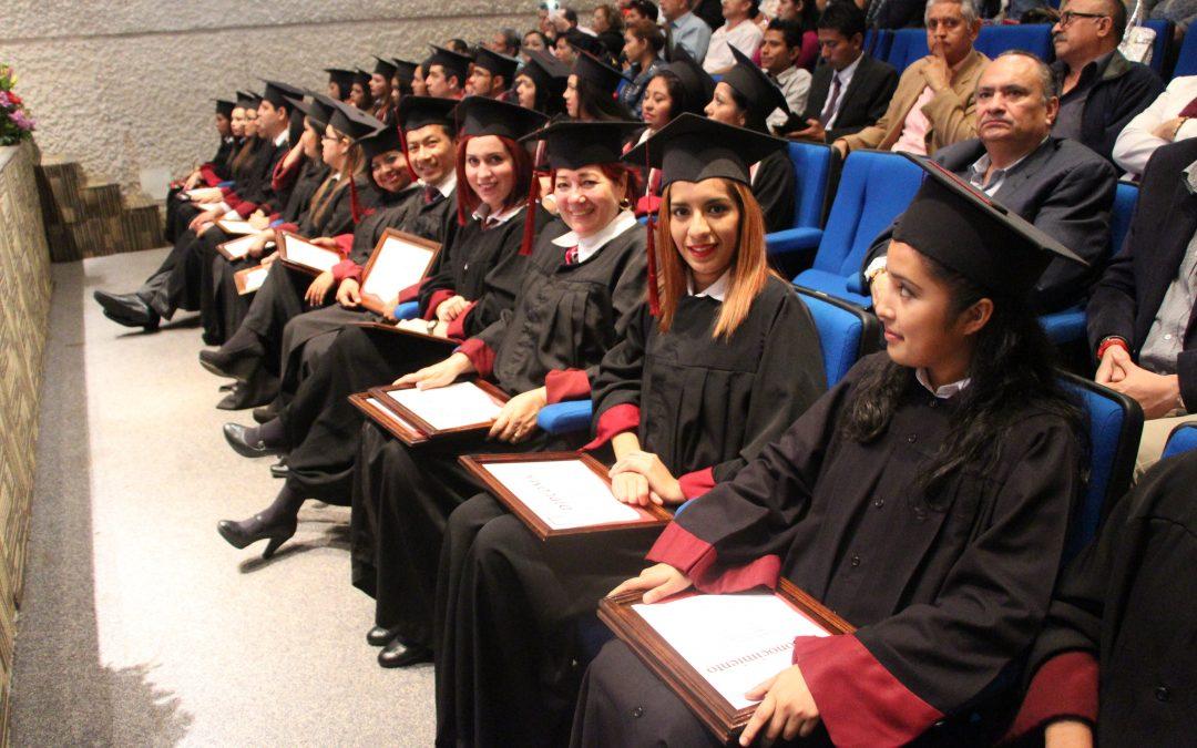 Ceremonia de Graduación en UGM Coatzacoalcos