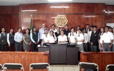 Ofrece David Lamb de Valdés conferencia en UGM Xalapa